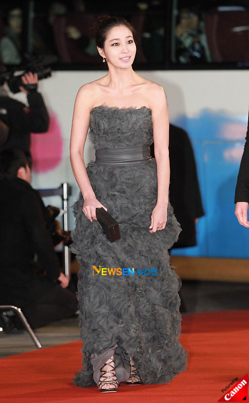 Lee Min-jung at Blue Dragon Awards 2010