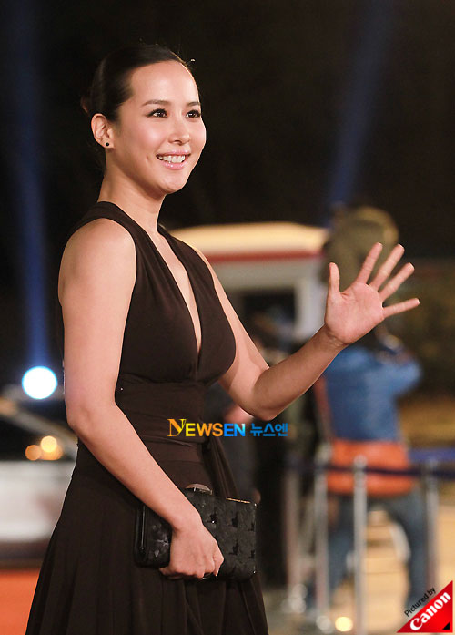Jo Yeo-jung at Blue Dragon Awards 2010