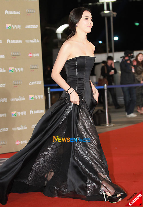 Han Hye-jin at Blue Dragon Awards 2010