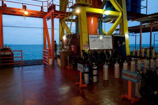Malaysia Seaventures oil rig dive resort