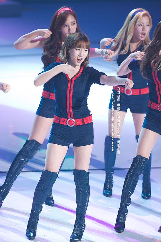 SNSD Taeyeon at G20 Seoul concert