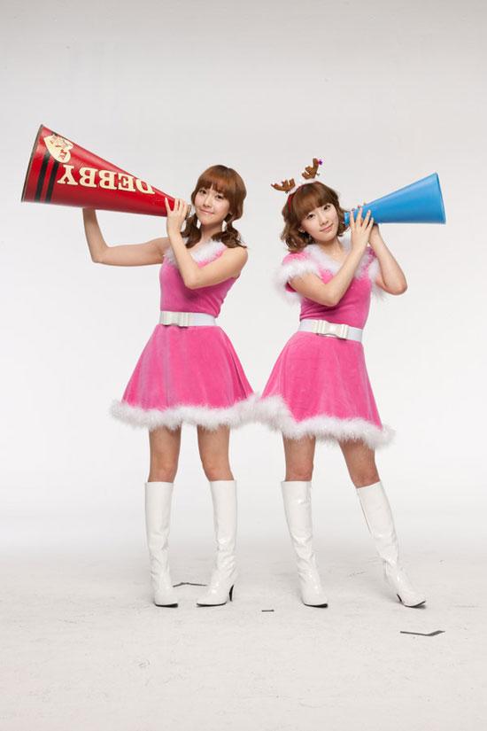SNSD Jessica and Taeyeon Samsung China Christmas