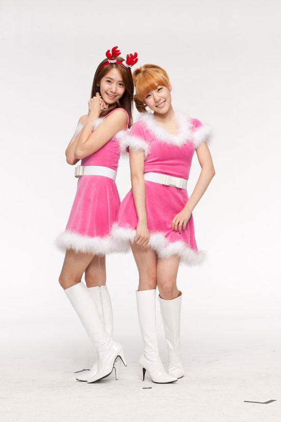 SNSD Yoona and Tiffany Samsung China Christmas