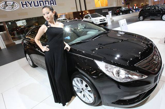 Hyundai Sonata at Abu Dhabi International Motor Show 2010