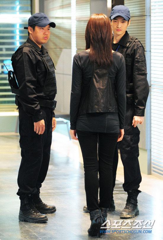 Soo Ae on Athena filming set
