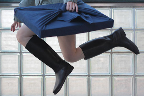 Natsumi Hayashi levitation photography