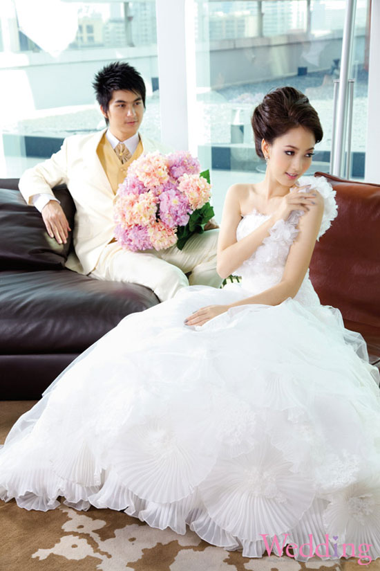 Thai actress Taew in wedding dress