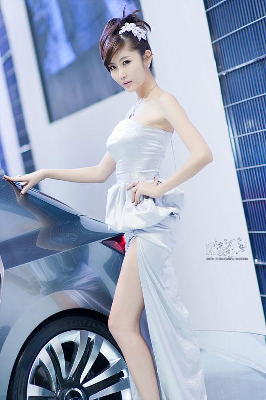 Choi Byeol I Seoul Motor Show 2011