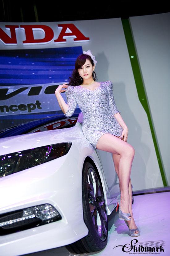Han Ga Eun Seoul Motor Show 2011