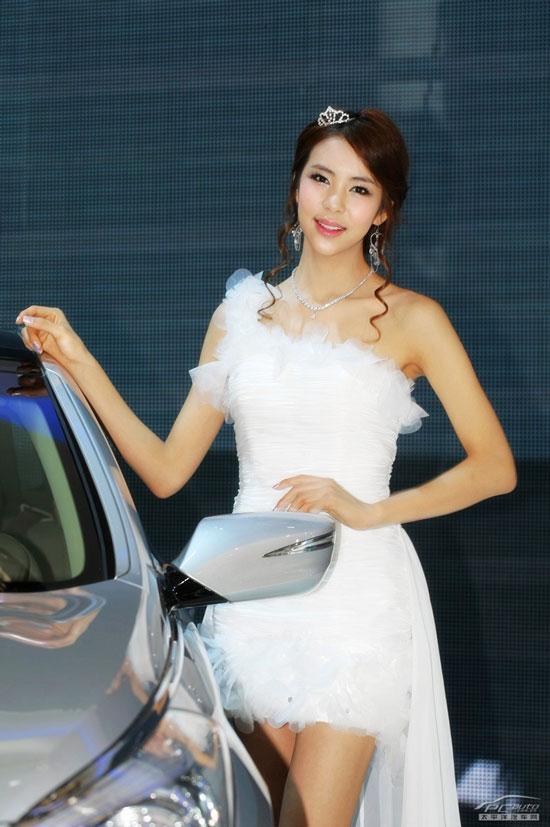Auto Shanghai 2011 show models » AsianCeleb