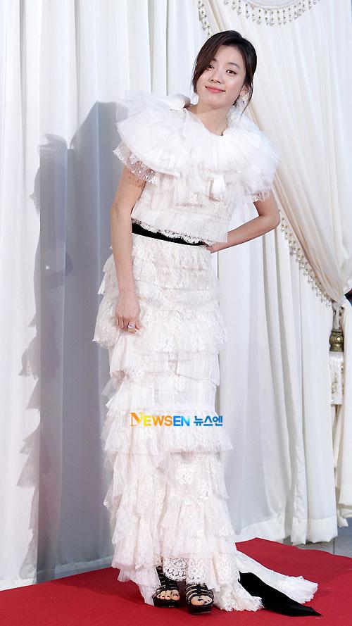 Han Hyo-joo Baeksang Awards 2011