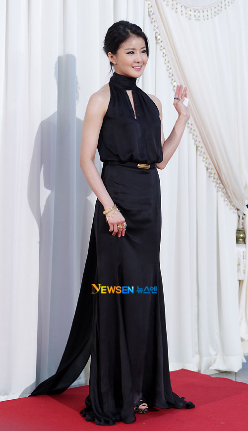 Lee Si-young Baeksang Awards 2011