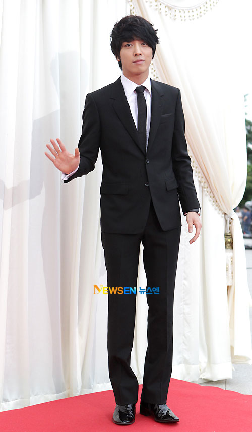 Jung Yong-hwa Baeksang Awards 2011
