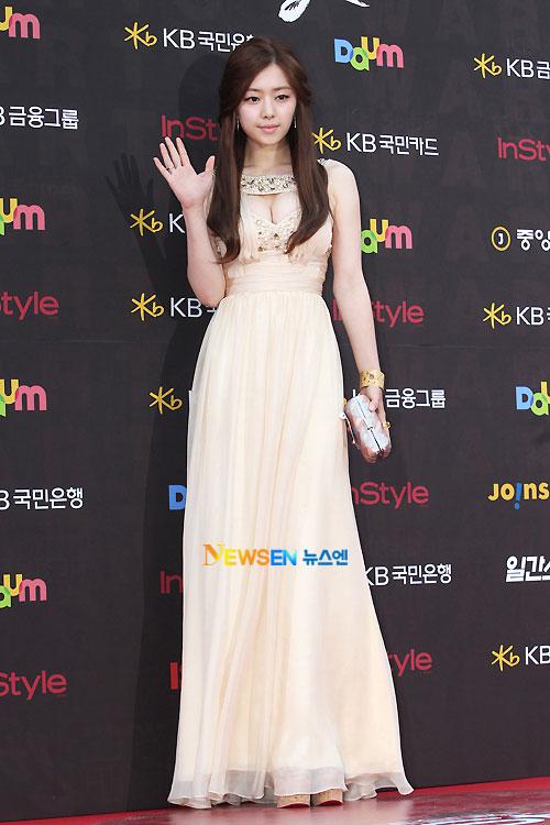 Hong Soo-ah Baeksang Awards 2011