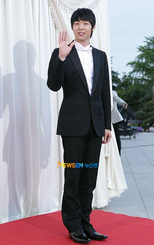 Park Yoo-chun Baeksang Awards 2011