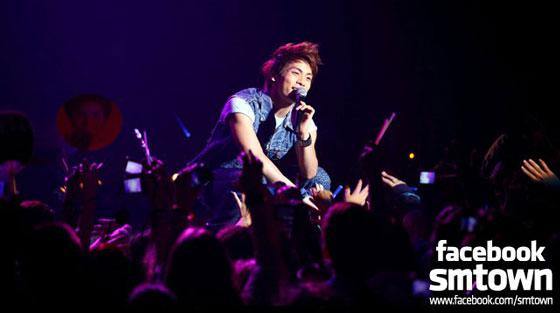 SHINee Jonghyun at SMTown Live in Paris 2011