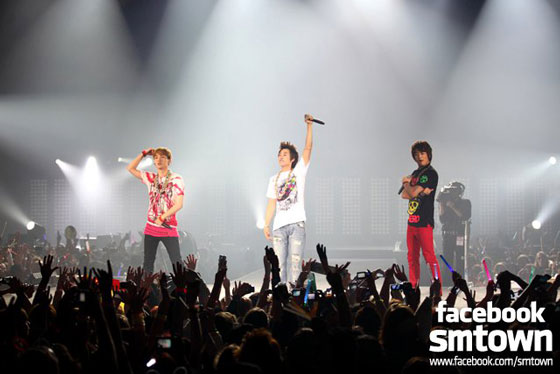 SHINee at SMTown Live in Paris 2011