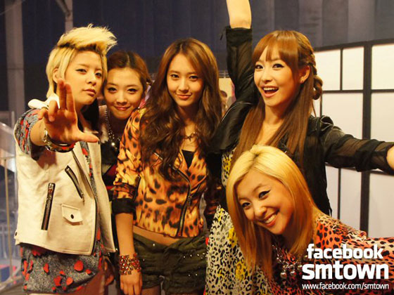 f(x) at SMTown Live in Paris 2011