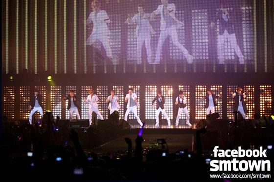 Super Junior at SMTown Live in Paris 2011