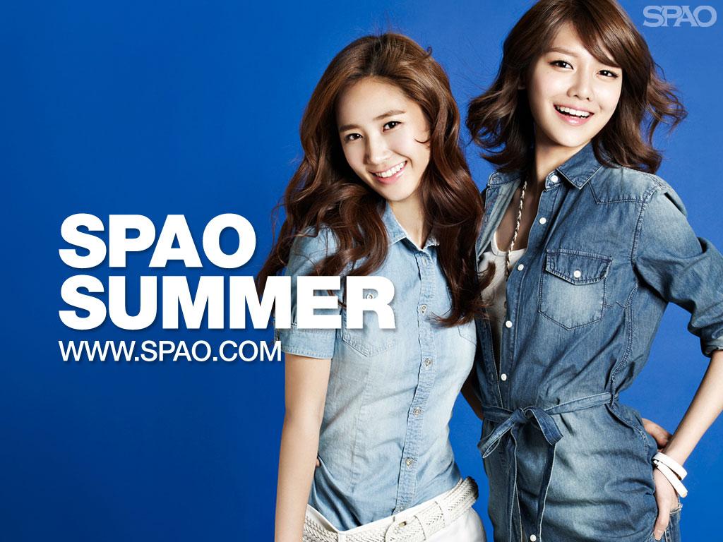 SNSD Yuri and Sooyoung SPAO Summer 2011 wallpaper