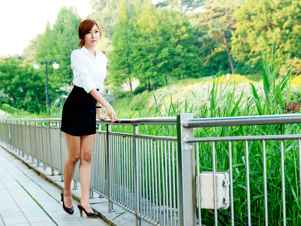 Korean model Choi Byul I office lady style