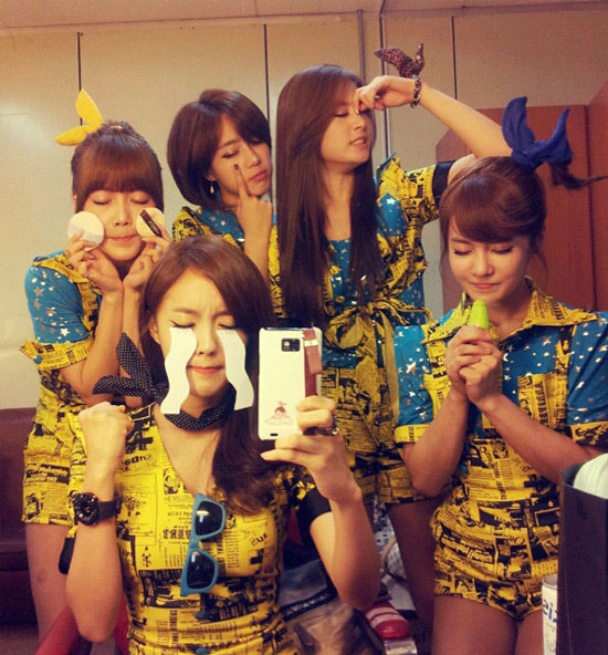 T-ara KBS Music Bank group selca