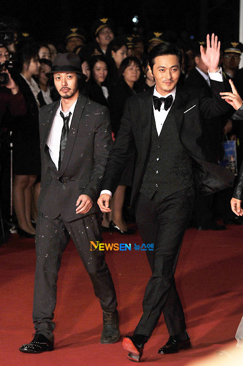 Joe Odagiri and Jang Dong-gun at Busan Film Festival 2011