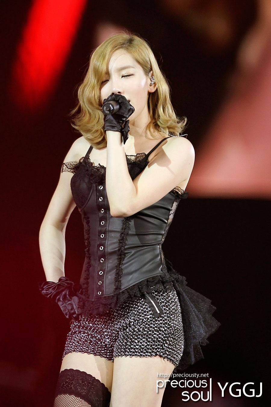 SNSD Taeyeon sexy Lady Marmalade