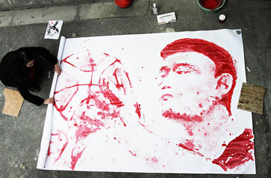 Red painting Yao Ming portrait with basketball