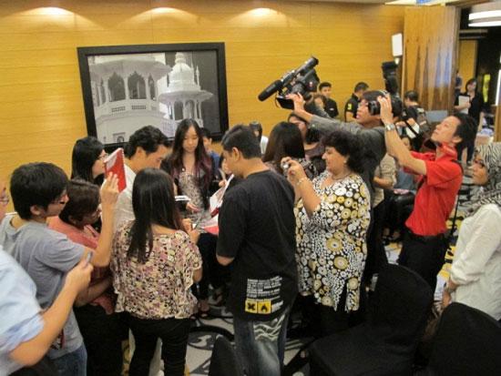 Daniel Dae Kim Malaysia fans