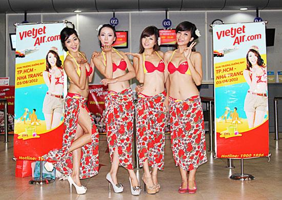Vietjetair bikini models on flight