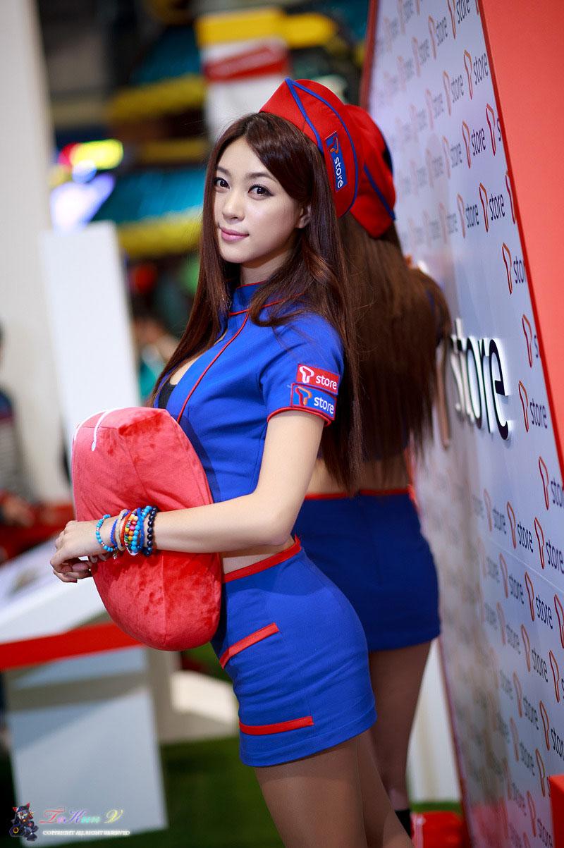 Korean model Ju Da Ha G-STAR Game Show 2012