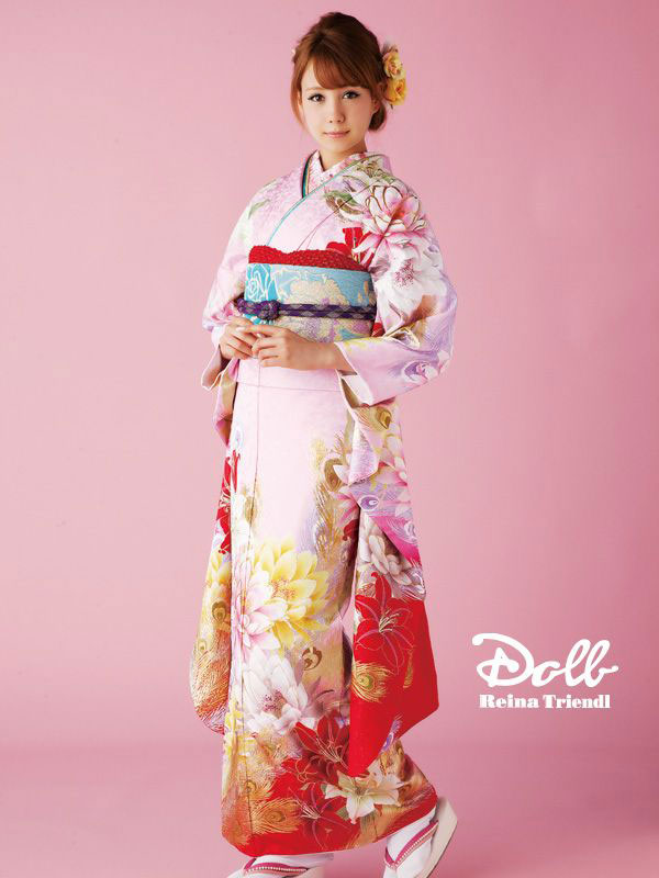 European Asian model Reina Triendl kimono
