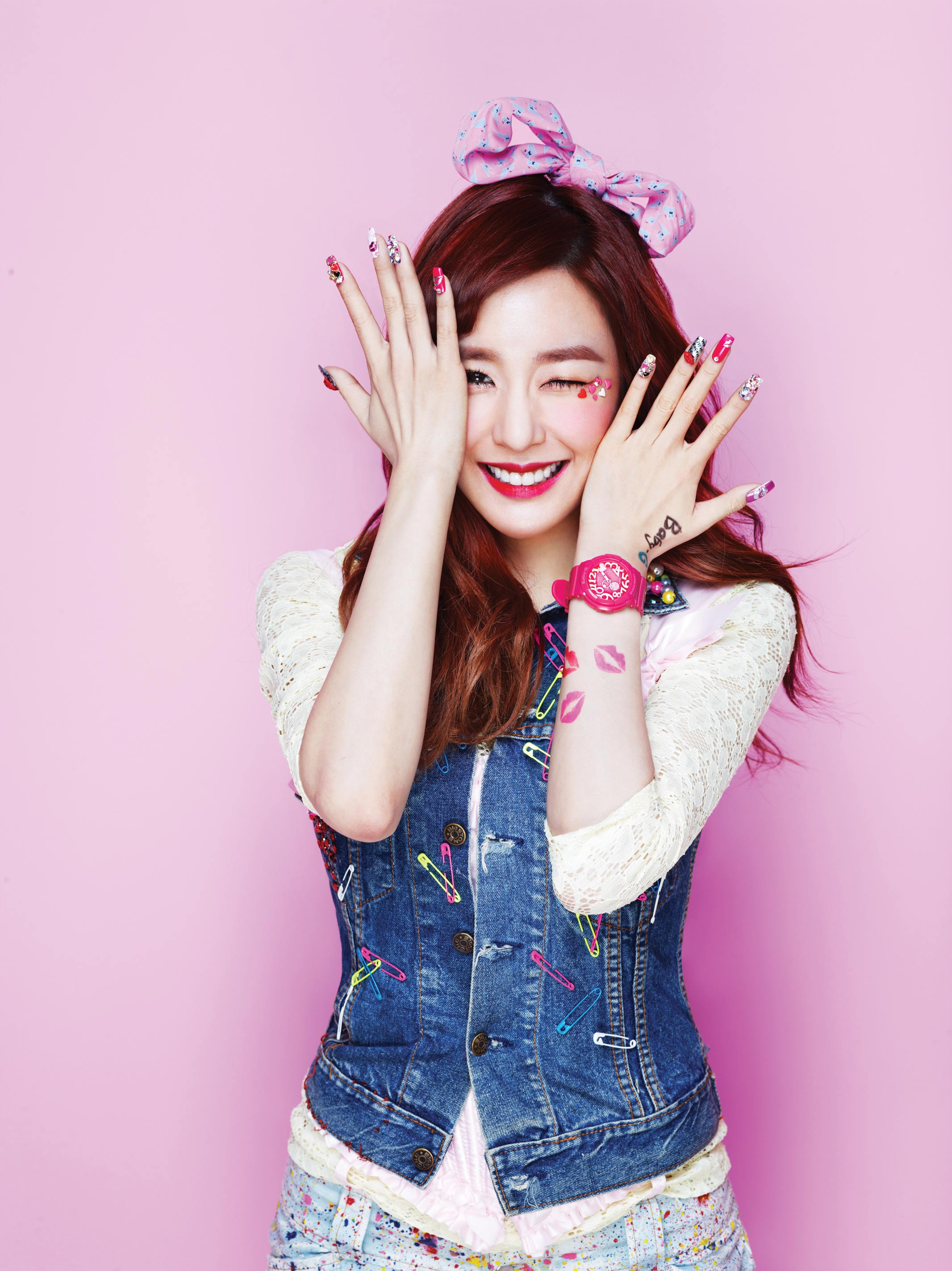 SNSD Tiffany Casio Baby-G Kiss Me 2013
