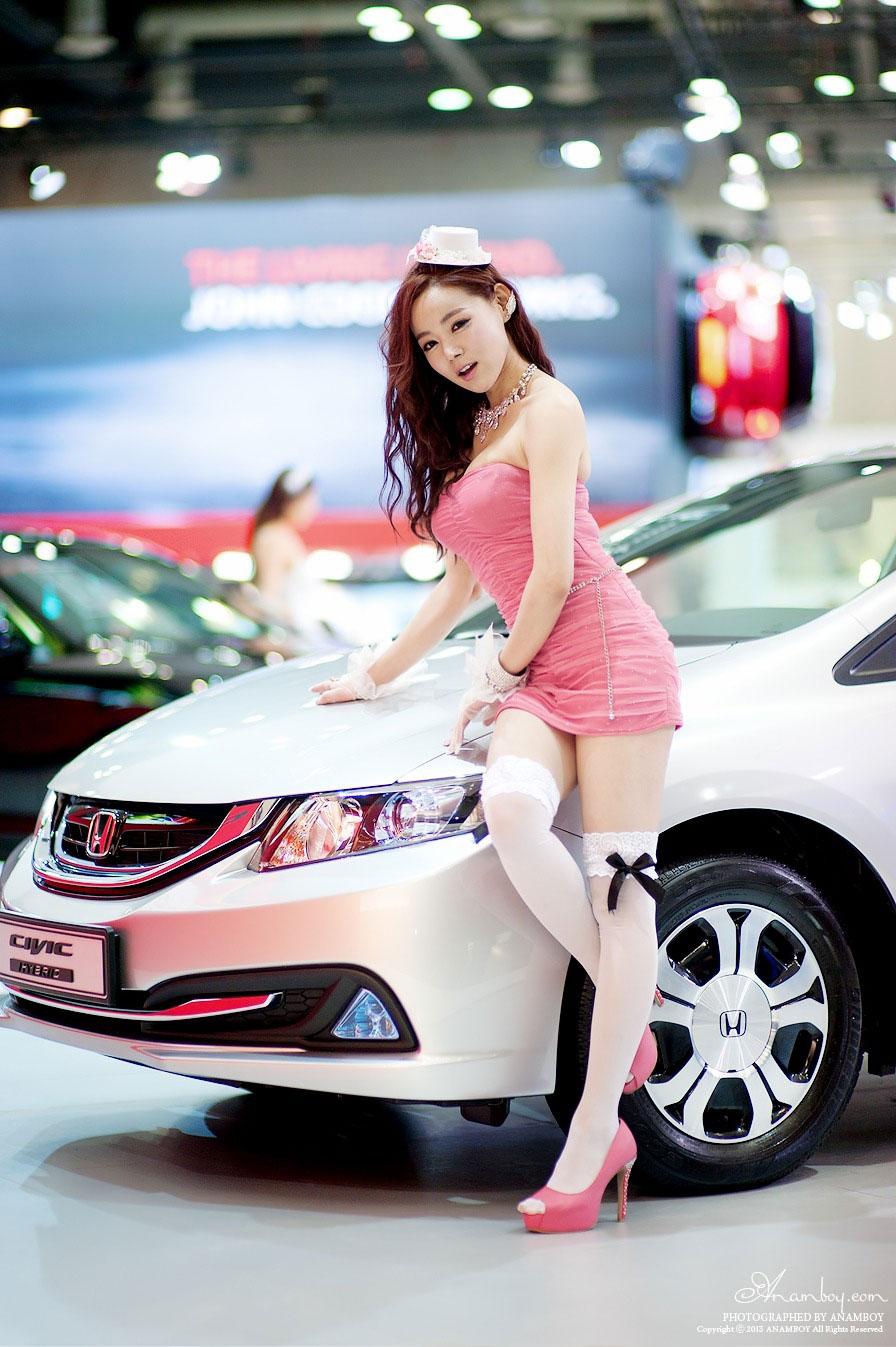 Korean model Min Seo Hee Seoul Motor Show 2013