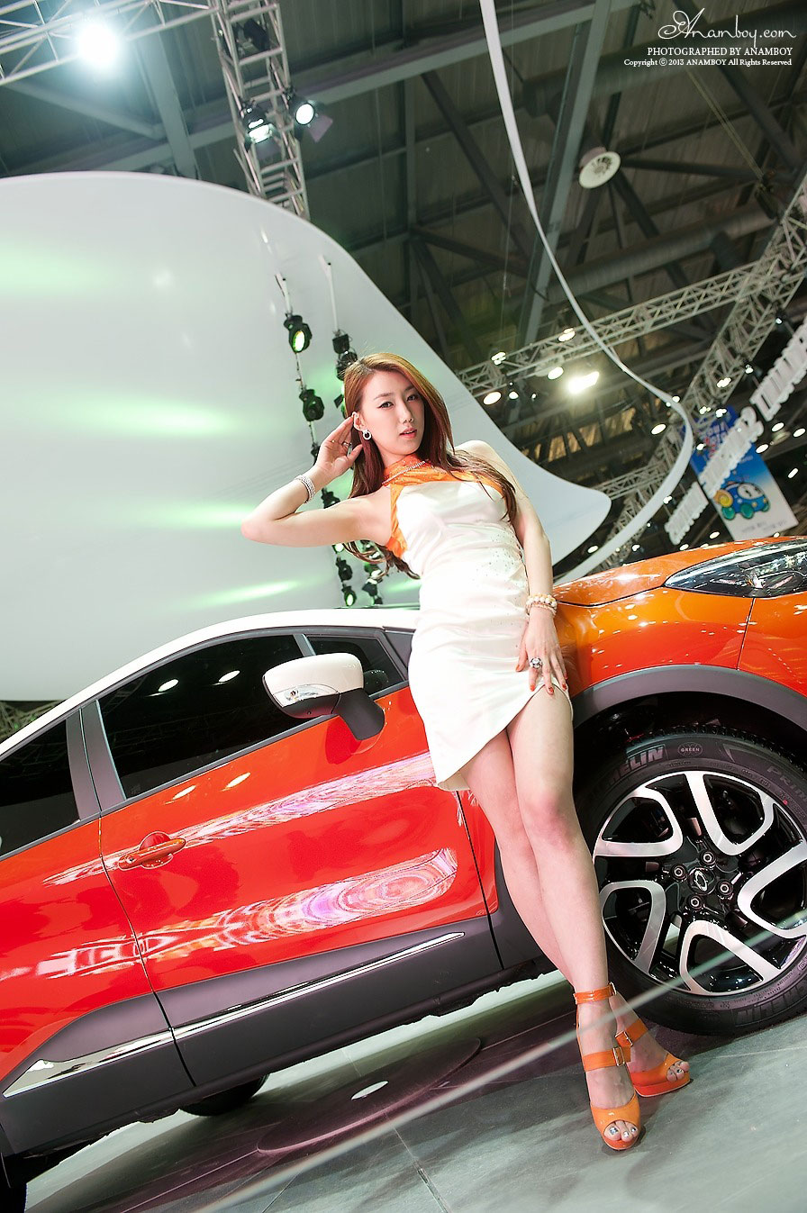 Korean model Lee Sung Hwa Seoul Motor Show 2013