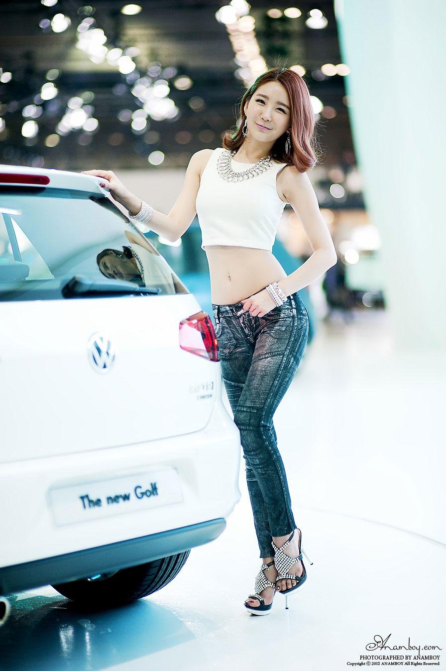 Korean model Bang Eun Young Seoul Motor Show 2013
