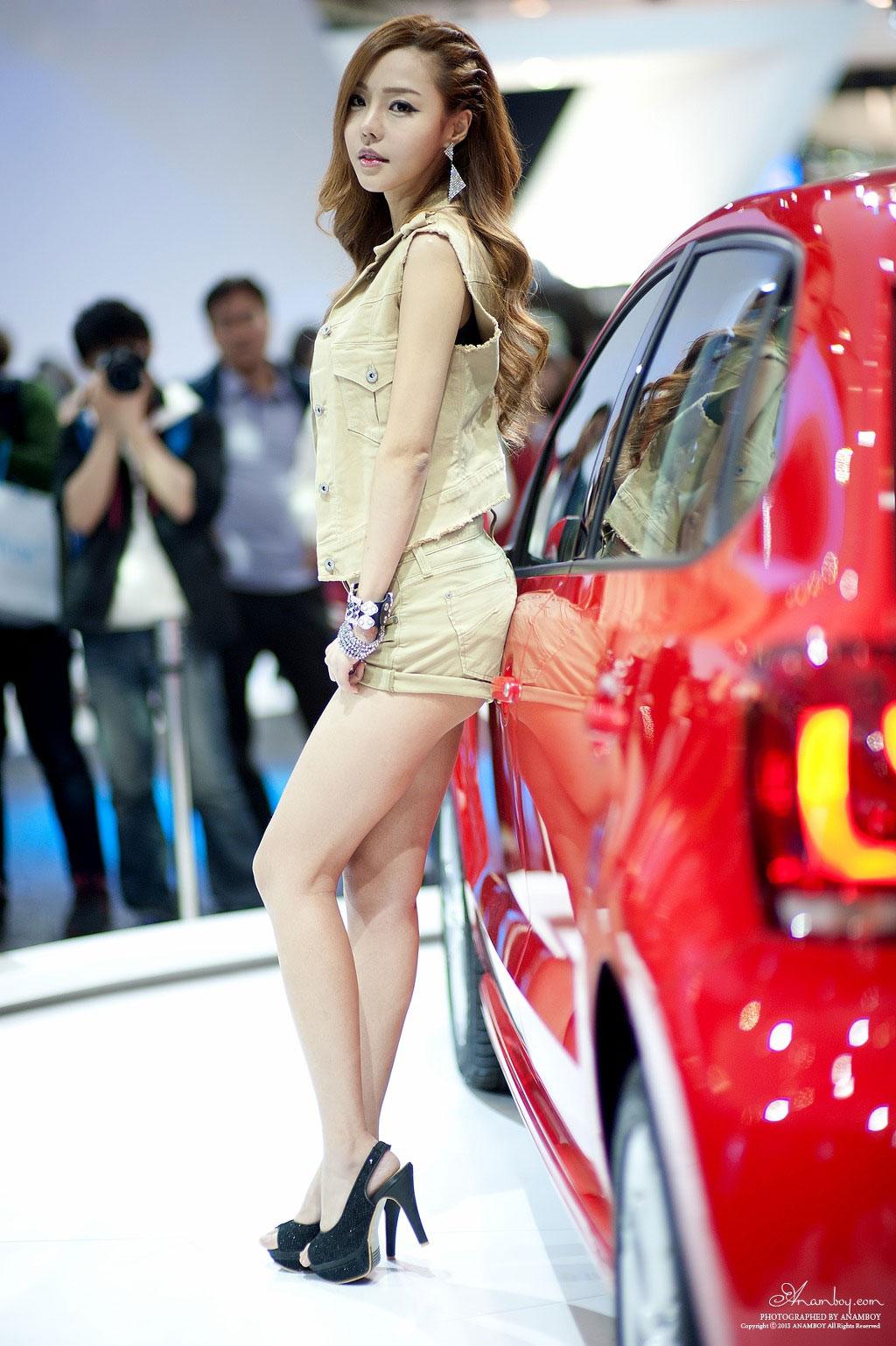 Korean model Seo Jin Ah Seoul Motor Show 2013