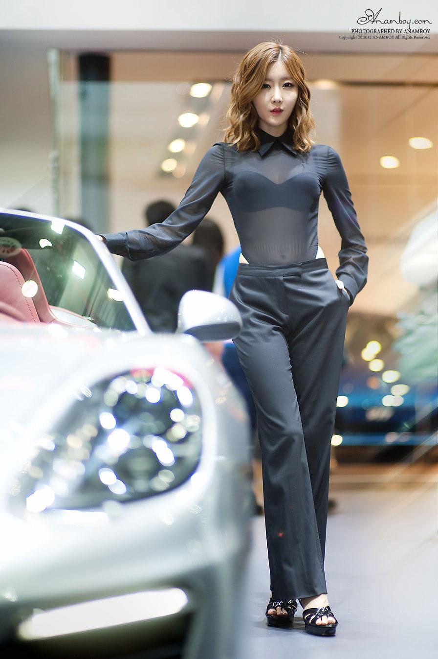 Korean model Choi Byul I Seoul Motor Show 2013