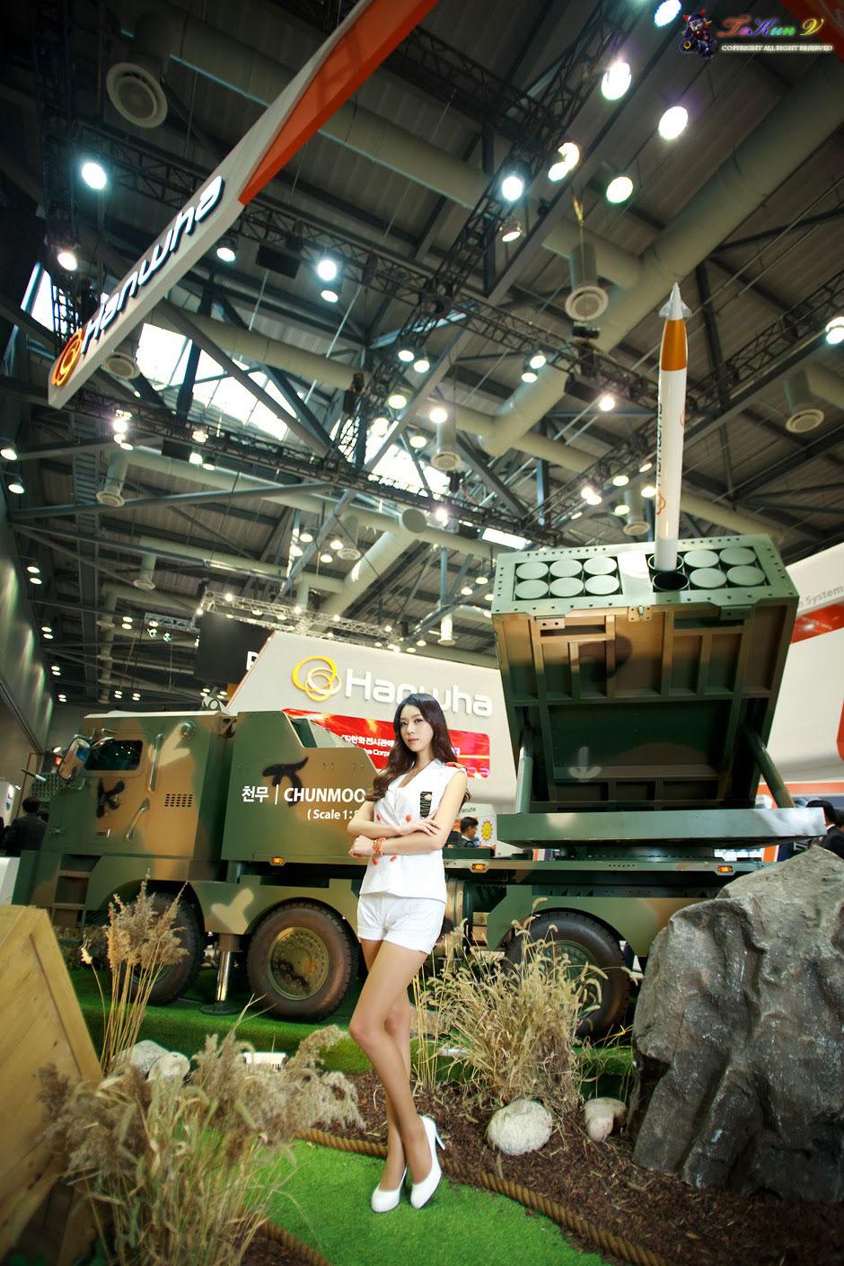 Ju Da-ha Seoul Aerospace Defense Exhibition 2013