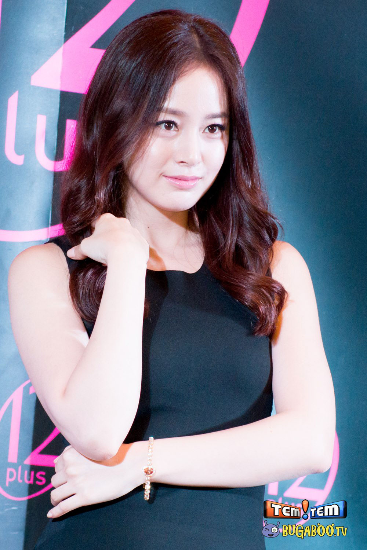 Kim Tae Hee promotes 12Plus Colorista Bangkok