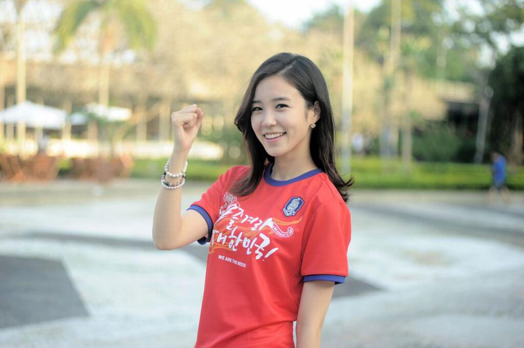 Korean announcer Jang Yewon cheerleader