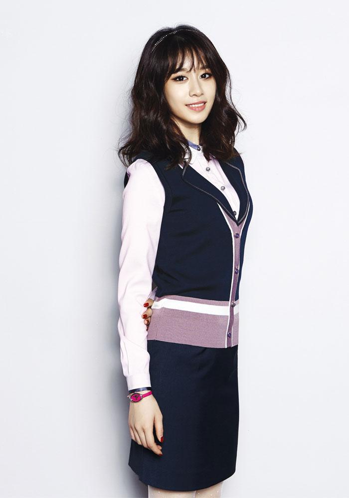 T-ara Jiyeon Modern Design clothing brand