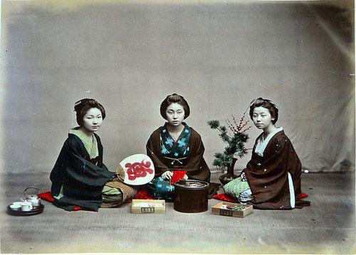 Adolfo Farsari vintage Japanese daugthers